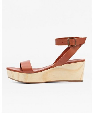 Sarita Wooden Wedge Sandal Whiskey