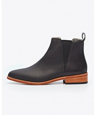 Women Chelsea Boot Black